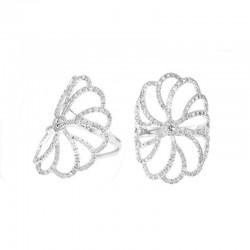 Bague fleur de diamants en or blanc